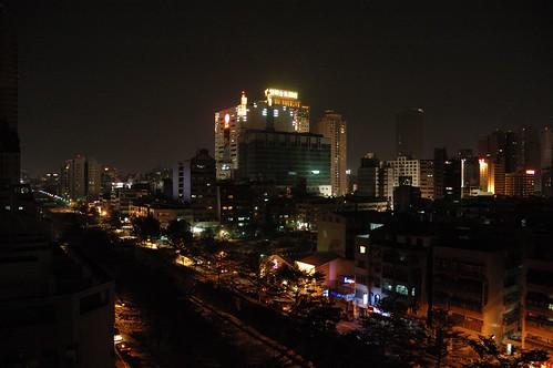 天台外的城市夜光