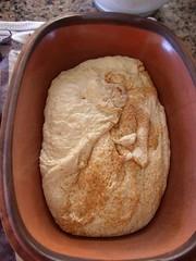 NKB-NYT: Das Brot für Faule im Römertopf gebacken