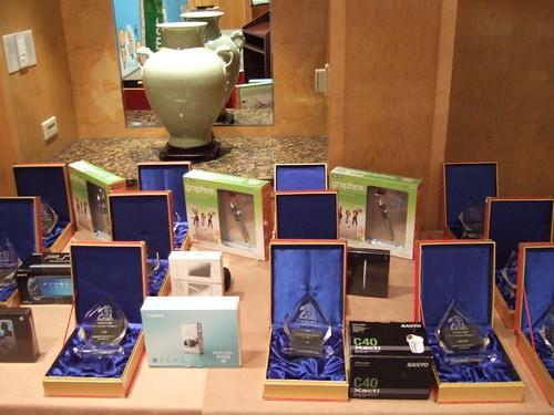 【夏日的 Blog 傳說 Part2】獎品獎牌排排站。photo  by charlesc