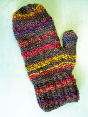 Frayed At The Edges Dia Mitts Free Knitting Pattern For Mittens
