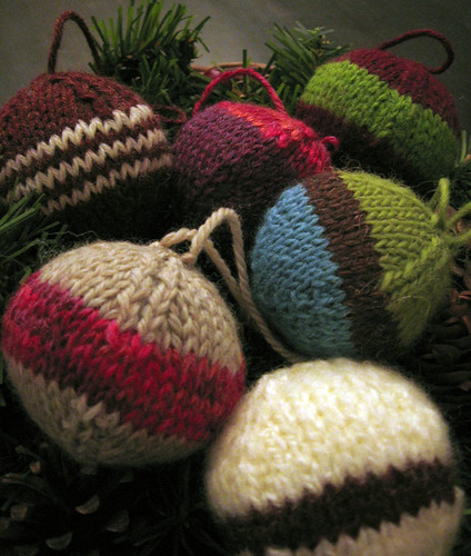 Savery Knitting: Who gets a hand knit Christmas present?