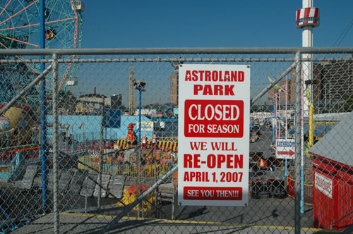 Astroland Closed for Season