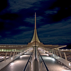 Milwaukee Art Museum Night HDR photo by matthewblakepowers