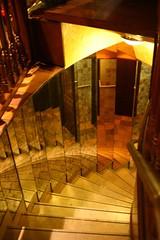 Shining stairs dans la Ville des Lumières photo by ! . © Angela Lobefaro . !