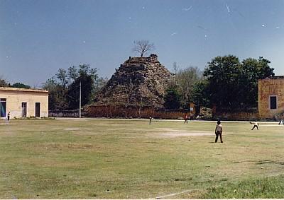 Ake-1985-003