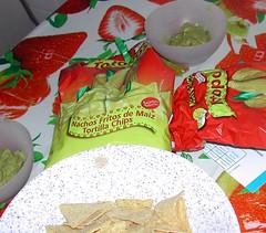 Totopos y guacamole
