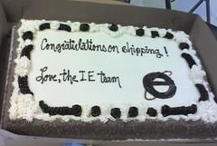 IE komandos sveikinimas
