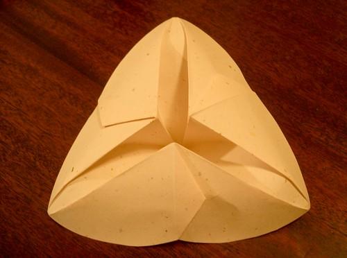 Trillium Bowl, Bottom