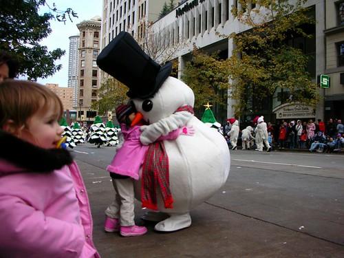 19-SnowmanHug