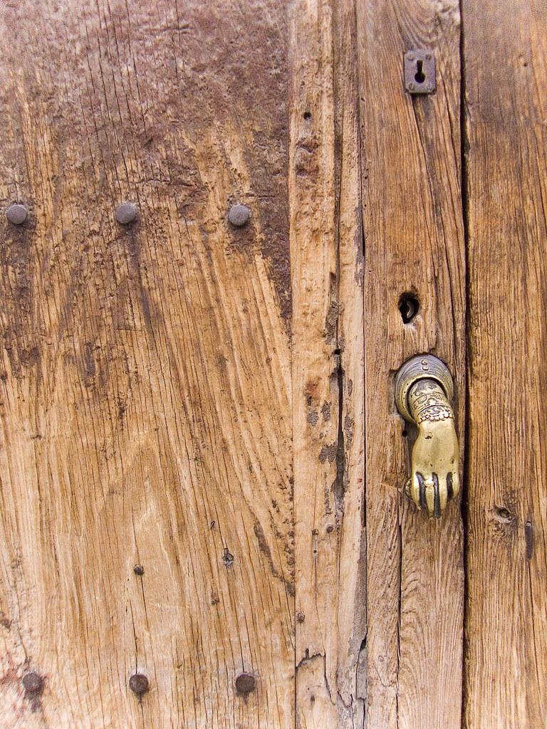 delicate knock