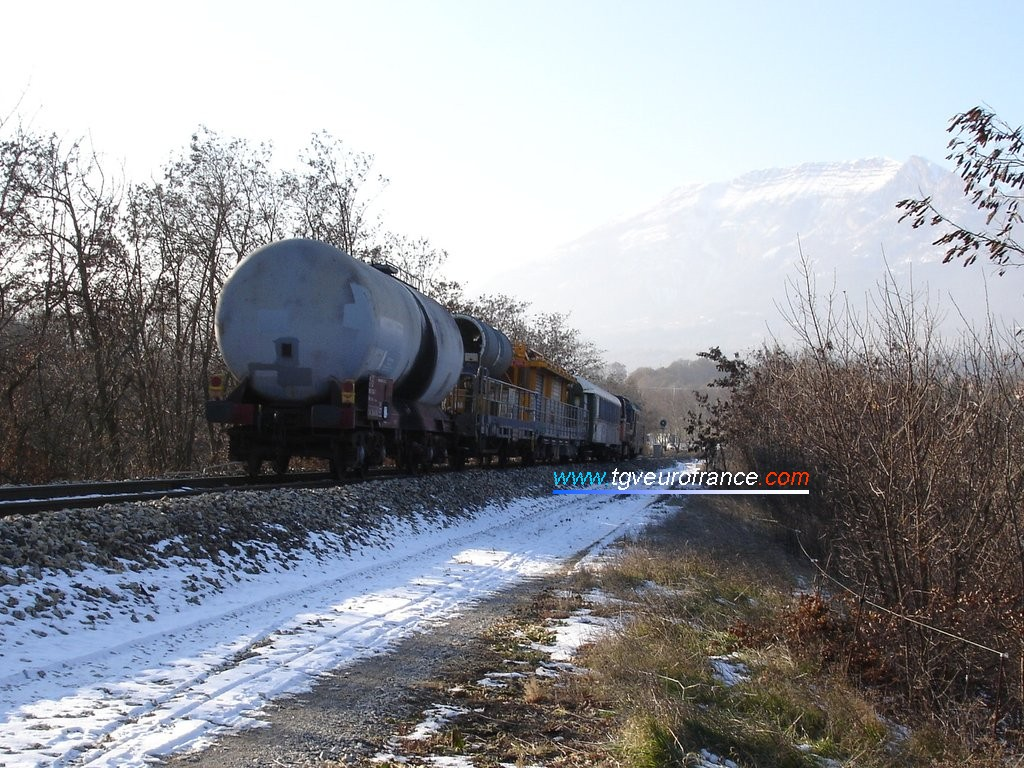 Vue générale du train dans les Hautes-Alpes