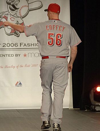 b22fe135450dd ... player names are hard to read. But Cincy gets big Uni Watch bonus  points for bringing back the sorely missed Mr. Redlegs as a patch on the  left sleeve.