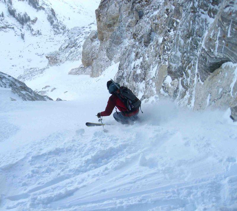 Skiing lower Hourglass