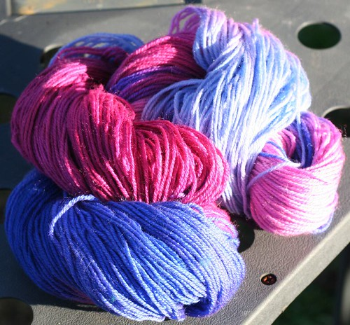 Hand-dyed yarn, 95% merino 5% cashmere, pinks/purples 2