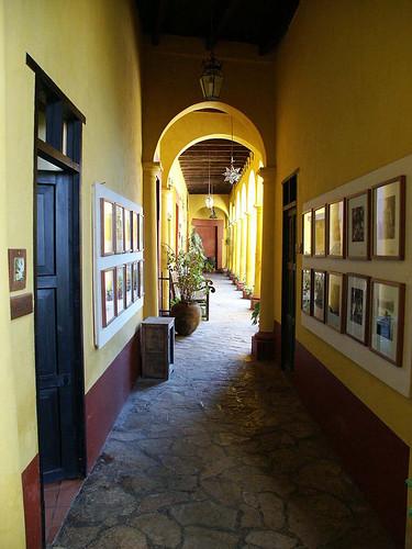 casanabolom_hallway