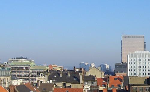 smog boven Laken