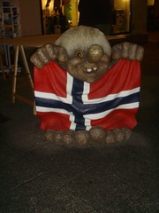 norwegian-flashing-troll