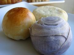 Taiwan- and Szechuan-Style Mooncakes