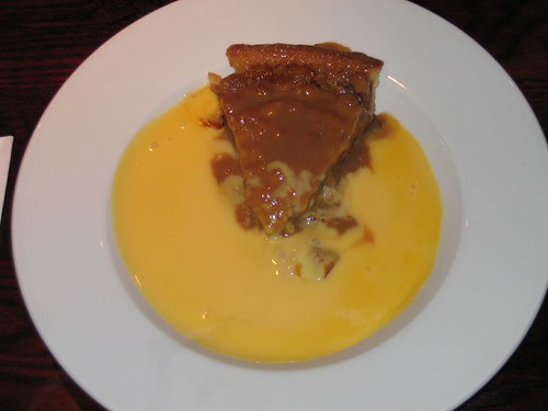 Yummers! Apple Pie with warm custard sauce