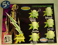 Custom Made Fantasy Aurora Monster Glow Heads Card photo by toyranch
