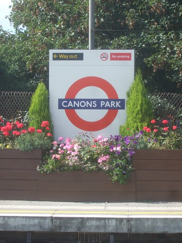 Canons Park - Underground Station