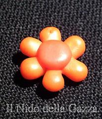 ciondolo-04-fiore-arancione