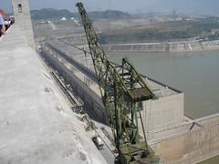 Upstream Dam Crane1