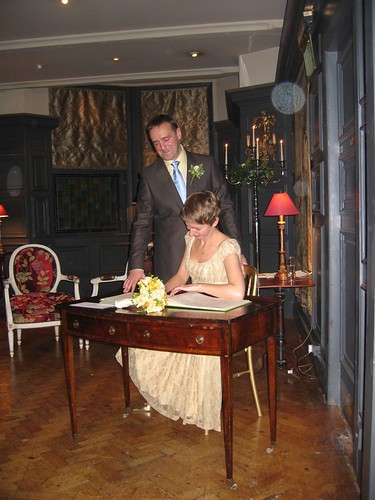 Nick & Debbie sign the register