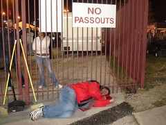 READ THE SIGN!  NO PASSOUTS!!