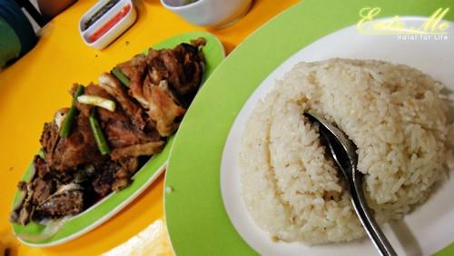 Nasi Ayam Fuziah (formerly Nasi Ayam Bazar Bulat aka Yau Tet Shin Bazaar Ipoh)