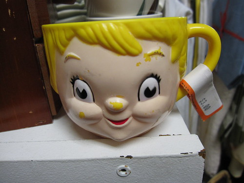 I would be too scared of this damn face to drink out of it