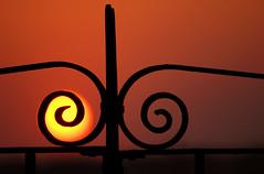 el sol cazado photo by carlos jm