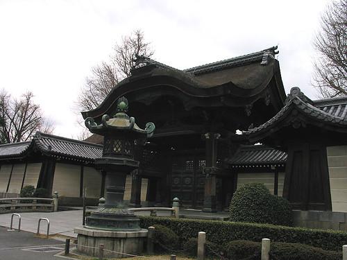東本願寺阿彌陀堂門 (by Audiofan)