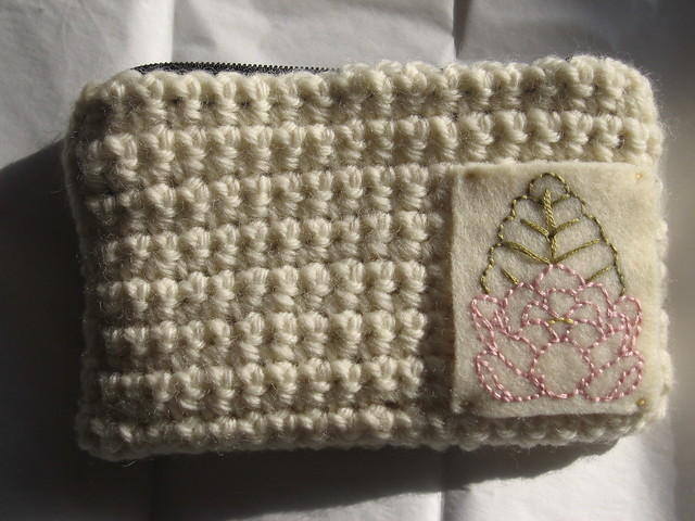 Free Crochet Pattern cwet-purse Crochet Purse : Lion Brand Yarn
