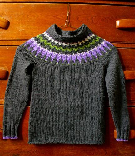 Icelandic Yoke Sweater 008-3