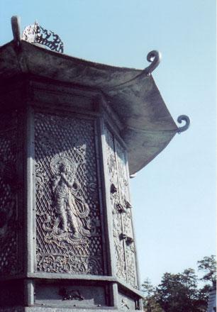 東大寺・八角灯篭
