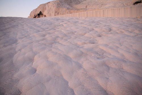 硬梆梆的石灰華棉花