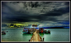 Bo Phut Pier photo by grantthai