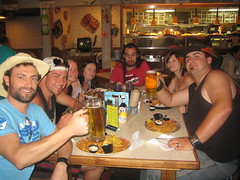 Nitidus eat at Joe's Crab Shack, San Diego, CA (by Kristian Grondman)