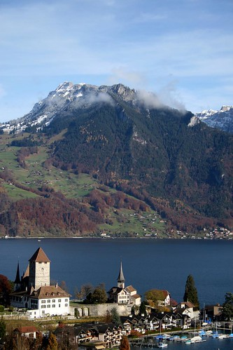 Spiez and its lake