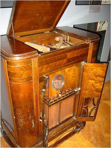 Antiques, Vintage