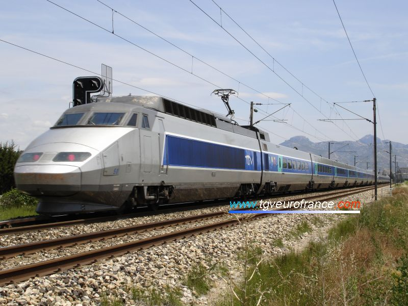 A TGV Sud-Est train (trainset 50) with another TGV sud-Est (trainset 48) on the Marseille-Nice railway