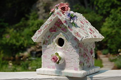 Shabby Mosaic Birdhouse photo by bellawood