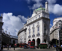 Regent Street Quadrant from Piccadilly Circus photo by John D McDonald