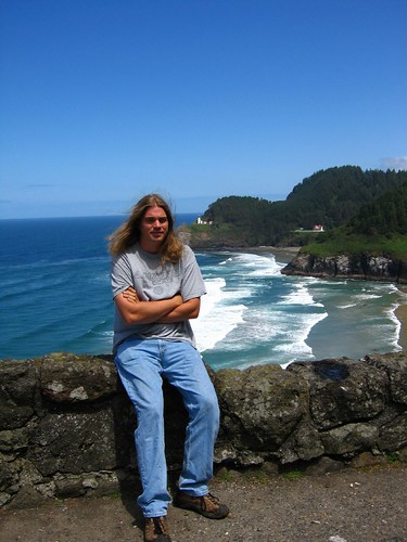 Ed in front of Heceta Lighthouse