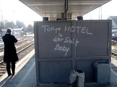 tokyo hotel ist der shit, baby, daglfing station, munich.