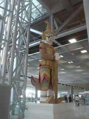 13.機場內的佛像