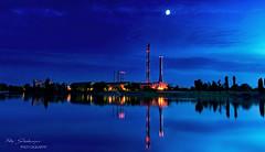 Moonlight reflection photo by Ray Schönberger