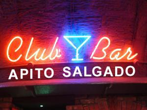 Neon_signage_Club