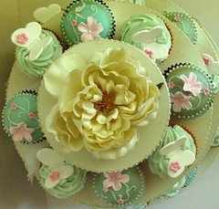 Top View of butterfly/flower cakes. photo by kylie lambert (Le Cupcake)